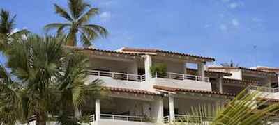 Royal Glitter Bay Villas