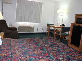 Americas Best Value Inn - Grand Forks