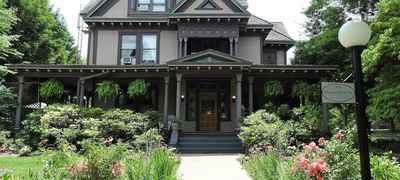 Champaign Garden Inn