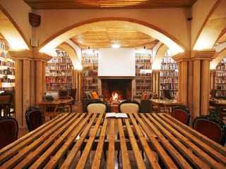 The Literary Man - Óbidos Hotel