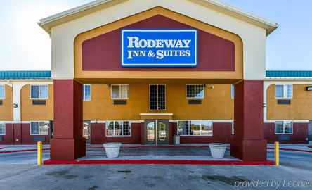 Rodeway Inn and Suites Airport Tulsa