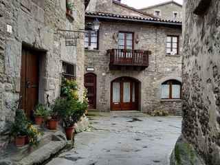 Experiência de caminhada na Catalunha rural e cidade medieval de Rupit