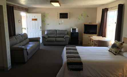 The Riverside Ranch | RV PARK MOTEL & CAMPGROUND