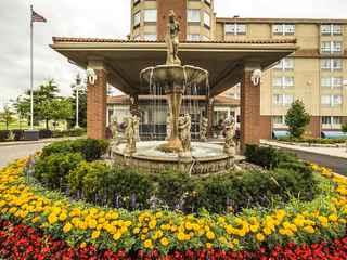 Monte Carlo Inn - Vaughan Suites