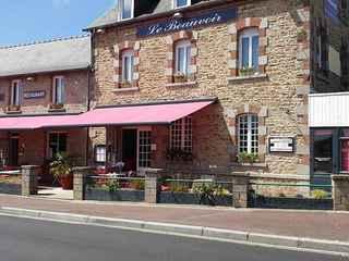 HOTEL RESTAURANT CAFÉ - LE BEAUVOIR
