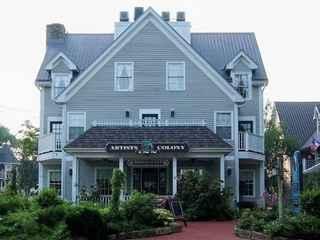 Artists Colony Inn & Restaurant