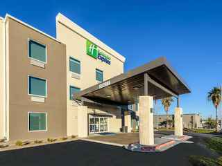 Holiday Inn Express & Suites Bastrop