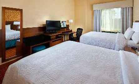 Fairfield Inn & Suites Houston Hobby Airport
