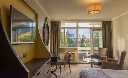 Sure Hotel Collection by Best Western Lincoln Hotel