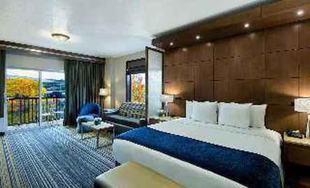 Oxford Suites Spokane
