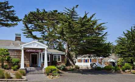 Lighthouse Lodge & Cottages