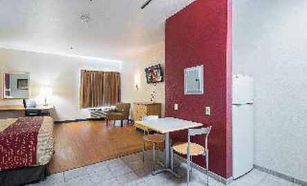 Red Roof Inn & Suites Corpus Christi