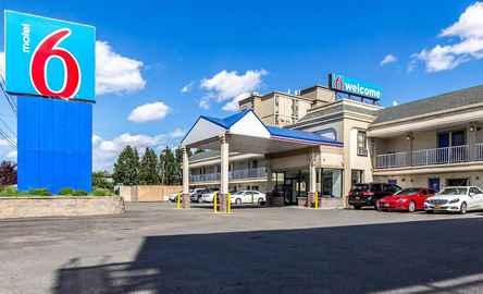 Airport Hotel Inn & Suites