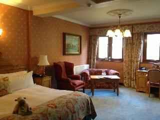 South Lodge Hotel