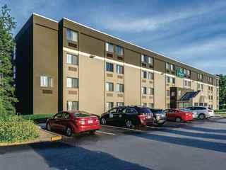 La Quinta Inn & Suites Warwick Providence Airport