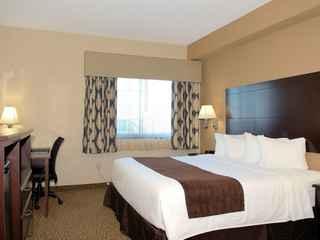 Boulders Inn & Suites