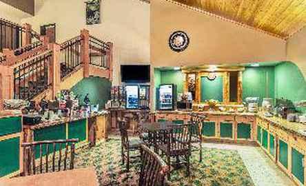 AmericInn Lodge & Suites Wisconsin Dells