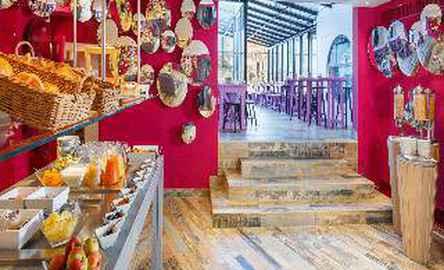 Swiss Wine Hotel & Bar*** (previously Hôtel City)