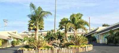 Beach Bungalow Inn & Suites