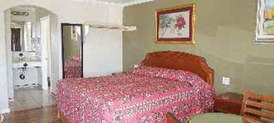 Castaway Motel