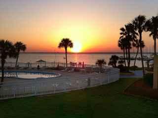 Bay View Inn Beach Resort