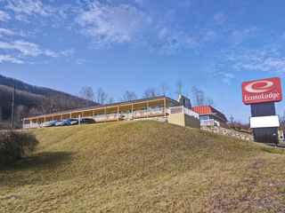 Econo Lodge Near Bluefield College