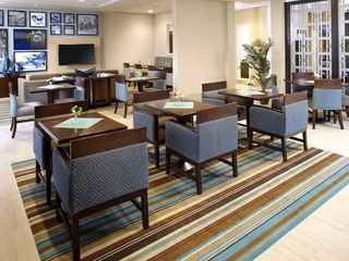 Hawthorn Suites by Wyndham Triadelphia Wheeling Area