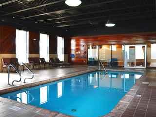 Chateau Regina Hotel & Suites