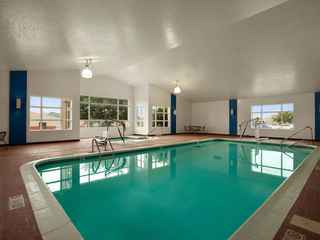 Baymont Inn & Suites Lincoln