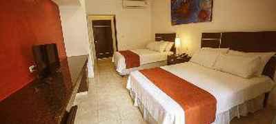 Hotel Holly