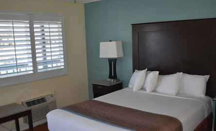 Rockview Inn and Suites