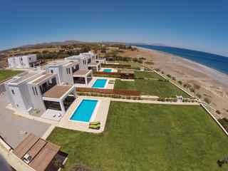 Antonoglou Beach Villas, Lahania