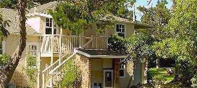 Bide-A-Wee Inn & Cottages