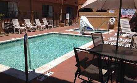 Quality Inn & Suites Oceanside near Camp Pendleton CA