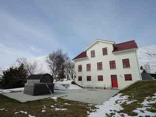 Karlsá Lodge