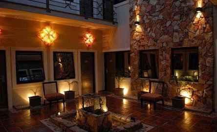 Hotel Patios de Lerma ***