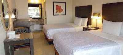 Red Carpet Inn Airport / Cruise Port
