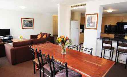 Paramount Serviced Apartments (The)