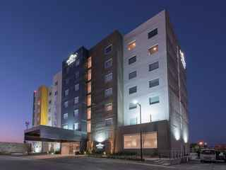 Microtel Inn & Suites by Wyndham San Luis Potosi