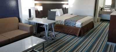 The Oaks Lodge Inn & Suites