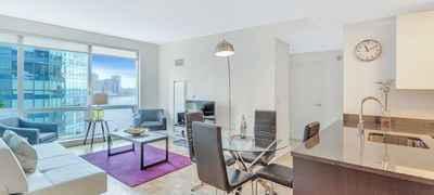 Dharma Home Suites: Jersey City, Paulus Hook