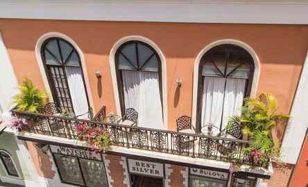 Fortaleza Suites Old San Juan