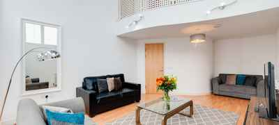 Base Serviced Apartments - The Docks - South Ferry Quay